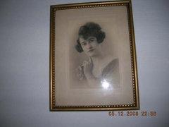 Régi portré fotó keretben, szignóval