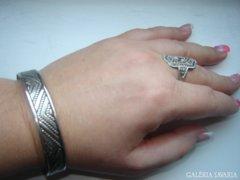 Nagyon régi karkötő gyűrűvel