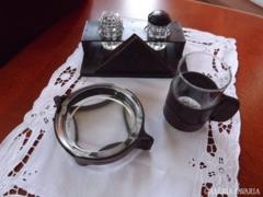 Bör és üveg asztali kináló készlet