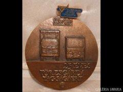 Y367 I2 Hatalmas bronzplakett Lapis András munkája
