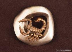 Skorpió csillagjegy érem ezüstözött bronz szobor