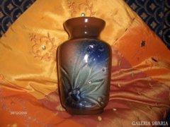 Domború mintázatú mázas kerámia váza