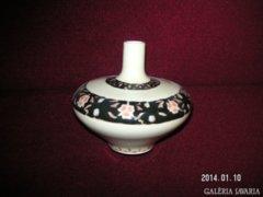 Zsolnay váza, ritkán látható design, hibátlan, kézzel festett.