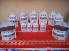 12 darabos porcelán fűszertartó