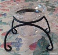 Fekete fém gyertyatartó, repesztett mintás üveg betéttel