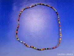 0A428 Modern színes gyöngyfűzött bizsu nyaklánc