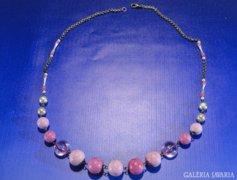 0A439 Divatos rózsaszín bizsu női nyaklánc nyakék