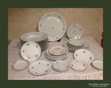 Óriási Zsolnay csomag 32db(vegyes tányérok)
