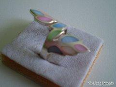 Feltűnő ezüst gyöngyház gyűrű