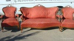 Neobarokk kanapé és két fotel.