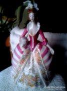 Barokk porcelán hölgy