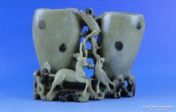0D662 Antik faragott állatos zsírkő szobor