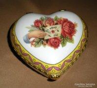 Szív alakú ékszeres