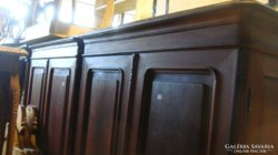 Bécsi barokk kétajtós szekrény.