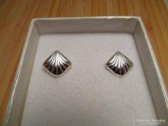 Kagyló forma ezüst stekker fülbevaló