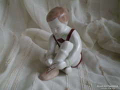 Aquincum porcelán :  Kisfiú