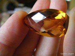 Citrin 28,4Ct IF aranysárga körte kockás forma 31x16x10,6mm