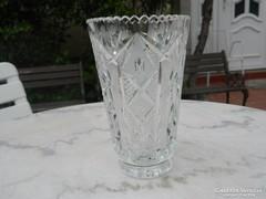 Csiszolt kristály váza