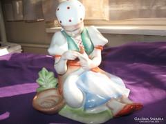 Zsolnay szobor figura Libát tömő kislány 18 cm 0,5 kg 1968-