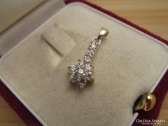 Nyári akció! Csak 3 napig !! - 35 % Virág forma köves ezüst medál - új ékszer