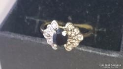 Arany gyűrű brillekkel és zafírral