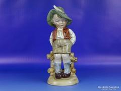 0H359 Nagyméretű régi Bertram porcelán figura