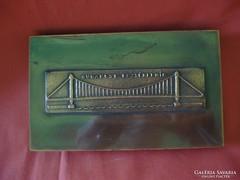 Kopcsányi Ottó díszdoboz Erzsébet híd dombormintával