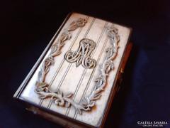 Antik elefántcsont imakönyv