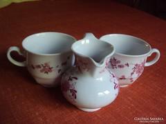 2 db.pink színű,virágmintás csésze és kancsó + 2 db alátét kistányér.