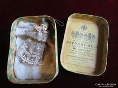 Antik MUZEÁLIS PAPÍRMASÉ KARÁCSONY karácsonyfadísz eredeti doboz BUDAPEST VERT CSIPKE 1908 SZÉNÁSY