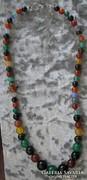 Achátok különféle színeiből nyaklánc 43,8 cm, antial. kapocs