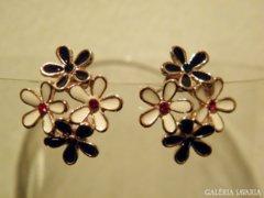 14 karátos Gold Filled virágos fülbevaló
