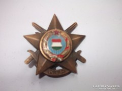 Kádár aranykoszorús katonai tízpróba jelvény KPM zománcozott magyar címeres