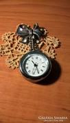 800-as ezüstből készült patinás masni alakú kitűző órával