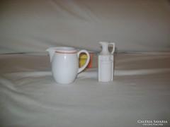 Két darab pici, antik porcelán kiöntő