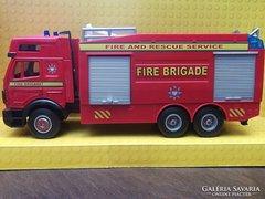 Tűzoltóautó fém modell 1:40