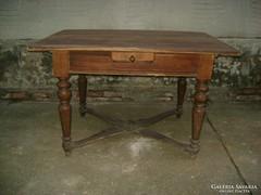Antik, ónémet keresztpántos asztal