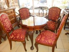 Barokk oroszlánkörmös kerekasztal,négy székkel eladó.