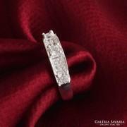 Ezüst gyűrű 3 fehér kockakővel 8-as ÚJ!