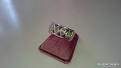 Ezüst gyűrű, többszínű cirkonköves, dekoratív.