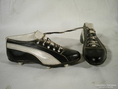 V108 Régi cipész mestermunka stoplis puma cipő