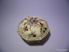 Zsolnay hatszögletű bonbonier