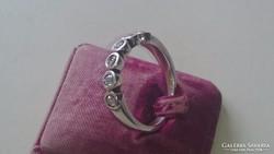 NAGA, Ezüst gyűrű cirkonkövekkel 925