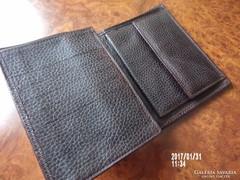 Sötétbarna bőr pénztárca