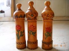 Antik parfümtartók és fa físztárgyak eladók!