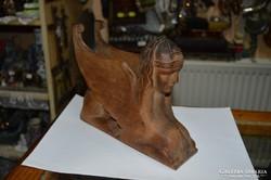 Fa faragott szfinx
