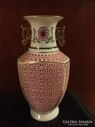 Dekoratív, áttört, kézi festésű rózsaszín porcelán váza (38)