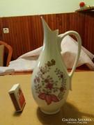 Hollóházi porcelán váza nyéllel.