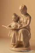 Orosz porcelán: olvasni tanuló kislány