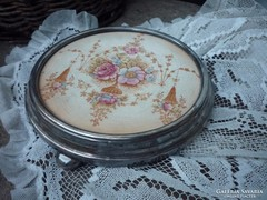 Antik, fajansz edény alátét